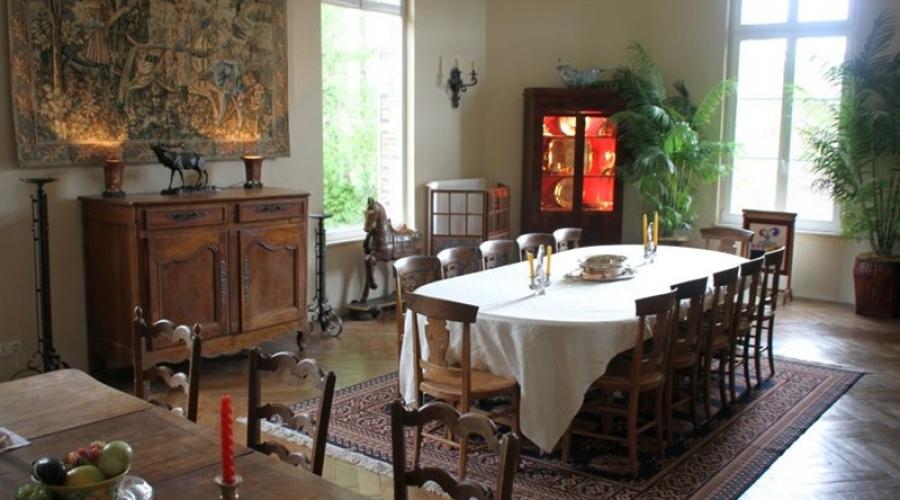 9_salle_a_manger_1_table_de_12_+_1_table_de_8